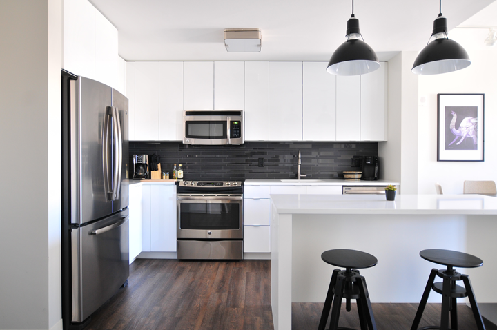 sell your home - remove clutter from your kitchen