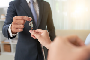Moving into your new home - obtaining the keys from the realtor