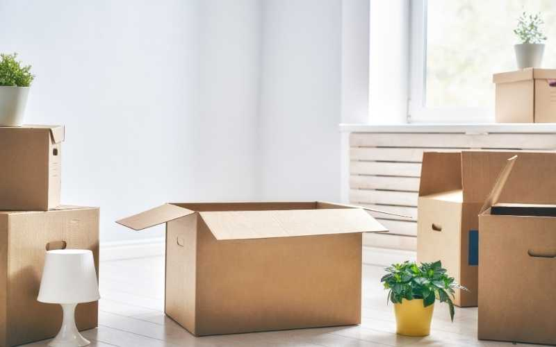 moving-boxes-one-bedroom-home
